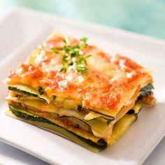 Lasanha vegetariana com tomate, abobrinha e berinjela Veggie Recipes, Paleo Recipes, Cooking Recipes, Fish Recipes, Vegetarian Lasagna Recipe, Lasagna Recipes, Organic Recipes, Ethnic Recipes, Comfort Food