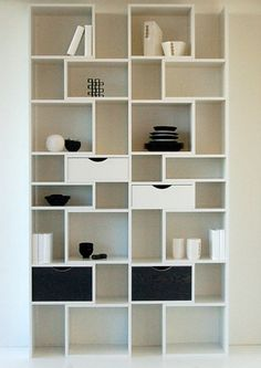 Kast wit en zwart WOOM design model STIR