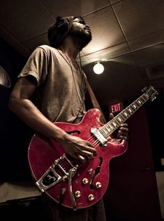 Listen to new Gary Clark Jr. with some sick Bowers & Wilkins Headphones Nothing But The Beat, Grand Funk Railroad, The Black Crowes, Gary Clark Jr, Blues Artists, Blues Rock, Music Icon, Music Stuff, Photo Poses