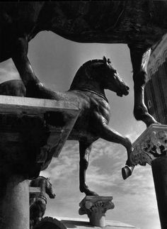 Herbert List - The Horses of San Marco, Venice, 1939. S)
