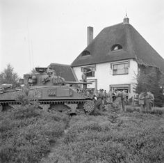 Irish Guards Group, Guards Armoured Division, Aalst, 18 Sept 1944 - Irish Guards Group / Guards Armoured Division, Aalst, 18 Sept 44 - Gallery - WW2 Talk