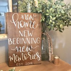 New home sign new home new beginnings new memories image 0 Housewarming Gift Baskets, Housewarming Present, Housewarming Gift Ideas First Home, Housewarming Decorations, Basket Gift, First Home Gifts, New Home Gifts, New Homeowner Gift, Gifts For New Homeowners