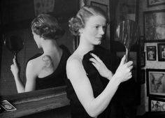 A film fan uses a mirror to admire the image of film star Gary Cooper she has had tattooed on her back by George Burchett a London tattooist. (Photo by William Vanderson) Wicked Tattoos, Old Tattoos, Tattoos For Guys, Tattoos For Women, Vintage Tattoos, Tattooed Women, Photographs Of People, Vintage Photographs, Vintage Photos
