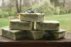 How to create custom soaps from a single recipe: Nice and straightforward article about soap making the way you want it!