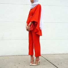 """""""Finally blogged this all red look on Mariaalia.com, get there. #linkinbio"""""""