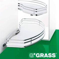 Quaturis L -piilokulmamekanismissa molemmat kätisyydet ovat samassa tuotteessa. Hyllyjen työkaluton, portaaton korkeussäätö sekä alatason avautuminen oven mukana tuovat käyttömukavuutta. #grass #quaturis #laatikot #säilytys #koti #toimisto #keittiö #kodinhoitohuone #sisustus #tilasuunnittelu #sisustussuunnittelu #arkkitehti #tukkumyynti #yritysmyynti #helakeskus Koti, Instagram Posts