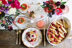 Bright and elegant table styling