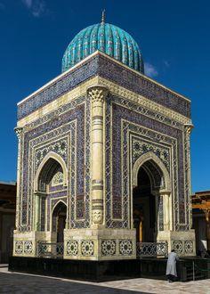 Imam Bukhari Mausoleum by Ahmed Sajjad Zaidi) Samarkand, Uzbekistan Islamic World, Islamic Art, Islamic Architecture, Art And Architecture, Beautiful Mosques, Beautiful Places, Timurid Empire, Kairo, Silk Road