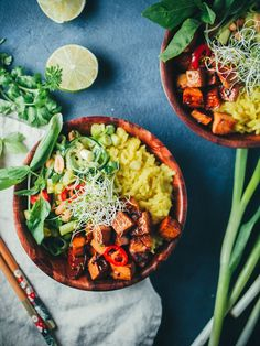 Nasi kuning eli keltainen riisi on jotain, jolla sanoin voivani vaikka elää koko Indonesia-vuoteni. Sitä pyysin jopa jälkiruoaksi. Koska ollaan…