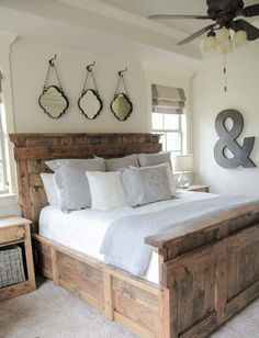Awesome 50 Rustic Master Bedroom Decor Ideas https://roomadness.com/2018/01/01/50-rustic-master-bedroom-decor-ideas/