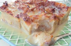 ENJOY... & HAVE A NICE MEAL !!!: Bread Pudding with Vanilla Cream Sauce