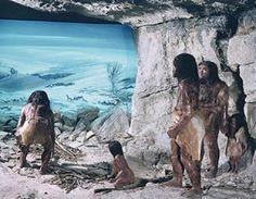 Το 1976 σε ένα υπόγειο σπήλαιο στα όρη Αταπουέρκα της βόρειας Ισπανίας εντοπίστηκαν ανθρώπινα απολιθώματα  δεκάδων χιλιάδων ετών... Τα επ...