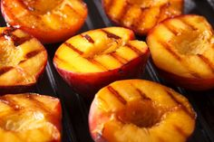 Grilling peaches brings out the sugars, making them even sweeter than they already are. Learn how to grill perfect peaches on your Foreman Grill! Grilled Fruit, Grilled Peaches, Grilled Vegetables, Grilled Recipes, Dessert Dishes, Dessert Recipes, Recipes Dinner, Summer Grilling Recipes, Grilling Tips
