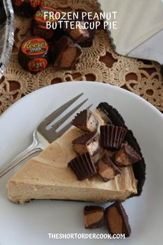 Reese's peanut butter cup lovers rejoice. The best peanut butter and chocolate summer dessert.  An easy freezer pie that is no bake and is a family favorite.  A chocolate or oreo crust makes it to die for. Can be made without the crust for a gluten-free version and will slice just as beautifully. @theshortordercook #peanutbutterpie #chocolateandpeanutbutter #nobakepie #easypierecipe #summerdesserts #easydessertrecipe #peanutbutter #chocolate #candydesserts