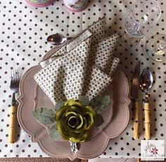 Toalha de mesa e guardanapo nesse lindo composé! contatocoisasetal@hotmail.com