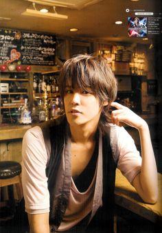 voice actor 宮野真守 Miyano Mamoru(Light yagami - Death note, Matsuoka Rin - Free!, Death the kid - Soul Eater, Okabe Rintarou - Steins Gate etc .,)