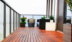 Ξύλινο δάπεδο στο μπαλκόνι