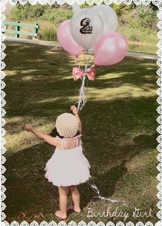 Perfect invites for Londyn's 2nd bday :)  Totally copying this