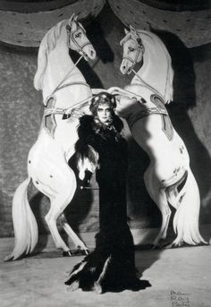 unbreakable-diamond:    The one and only Luisa Casati, photographed by Man Ray in 1935.