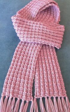 Easy Scarf Knitting Patterns Free Knitting Pattern for Heartwarming Scarf- Julie Farmer's beginner scarf has an easy to remember stitch pattern to give it texture. This unisex scarf only uses one skein of the recommended yarn. Easy Scarf Knitting Patterns, Knitting Stitches, Free Knitting, Stitch Patterns, Crochet Patterns, Start Knitting, Loom Knitting Scarf, Finger Knitting, Knitting Machine