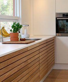 home decor and design Kitchen Units, Kitchen Shelves, Kitchen Pantry, Rustic Kitchen, New Kitchen, Kitchen Dining, Building A Cabin, Minimal Kitchen, Scandinavian Kitchen