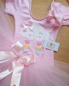 Vestido para fiesta de lluvia de amor Baby Girl Birthday, Rainbow Birthday, First Birthday Parties, Birthday Party Themes, First Birthdays, Pink Birthday, Cloud Party, Party Decoration, Baby Princess