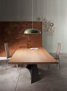 LIVING is a table with wood top and steel base, it creates a highly effective visual contrast. Luxury Dining Tables, Wooden Dining Tables, Wood Table, Dining Set, Dining Area Design, Design Table, Esstisch Design, Contemporary Dining Table, Furniture