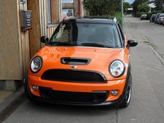 Toxic Orange MINI Cooper Clubman S