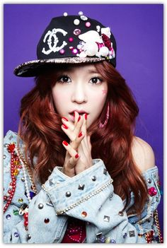 Girls' Generation // I Got A Boy // Tiffany I would love to have that colour…