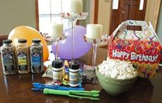Birthday Greetings Gift Box is one of our most popular gift boxes.  Includes 5 different popcorns, White Cheddar Popcorn Seasoning, Fireworks Popcorn Salt and two popcorn forks.