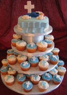 baptism cupcakes for boys Christening Cake Boy, Christening Favors, Baptism Favors, Baptism Party, Baptism Ideas, Boy Baptism Centerpieces, Theme Bapteme, Baptism Cupcakes, Confirmation Cakes