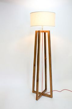 Modern Floor Lamp // Reclaimed Wood Light // von weareMFEO auf Etsy