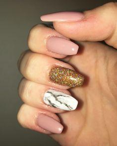Sparkly Acrylic Nails, Acrylic Nail Art, Claws, Beauty, Acrylics, Beauty Illustration, Acrylic Nails, Flare Acrylic Nails