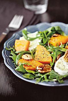 Paahdettu kurpitsa-vuohenjuustosalaatti Squashes, Old Recipes, Caprese Salad, Salmon Burgers, Avocado Toast, Green Beans, Salads, Yummy Food, Favorite Recipes