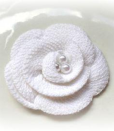white knit flower by bellasbowtique2008
