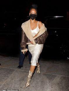 Natasha Lyonne, Chantel Jeffries, Rihanna Style, Aviator Jackets, Rihanna Fenty, Elle Fanning, Satin Dresses, Gossip Girl, Business Women