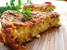 Moussaka is the perfect dish if you are in Bulgaria and want to experience traditional recipes. Here is the Moussaka recipe! Bulgarian Recipes, Traditional Greek Moussaka Recipe, Zucchini Pie, Bulgaria Food, Plats Weight Watchers, Greek Dishes, Fodmap Recipes, Lasagna, Vegetables