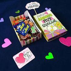 Regalos con Amor ♥ (@tuenvoltorioideal) • Fotos y videos de Instagram Snack Recipes, Snacks, Pop Tarts, Packaging, Instagram, Food, Love Gifts, Decorated Boxes, Snack Mix Recipes