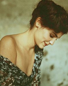 Audrey Tautou - i like the light here