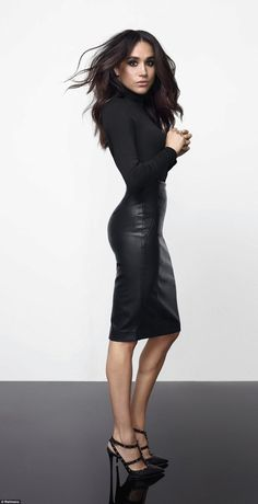 The 35-year-old Suits actress looks incredible as she showcases her new incredibly honed figure modelling her new fashion range for Canadian retailer, Reitmans.