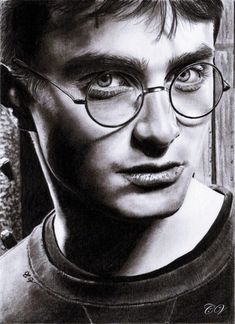 Secrets Of Drawing Realistic Pencil Portraits - Pencil Artist Corinnes Portraits (French) Harry Potter Sketch, Harry Potter Artwork, Images Harry Potter, Harry Potter Drawings, Portrait Au Crayon, Portrait Art, Celebrity Drawings, Celebrity Portraits, Drawings Of Celebrities