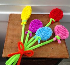 Pipe cleaner crafts, tutorial available on my youtube channel