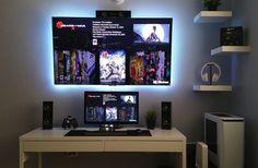 Beautiful B&W desktop http://amzn.to/2sb3bJ3