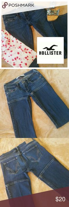"""Hollister SO Cal Stretch Boot Cut Jeans Hollister SO Cal Stretch dark blue boot cut jeans. No holes, rips, or tears. Awesome condition. Gently Pre loved  W 25"""",  L 31"""", Rise 7""""  Enjoy! Hollister Jeans Boot Cut"""