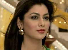 Pragya's Hot Look Can Save Both Abhi and Kumkum Bhagya !