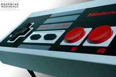 C'est ouf !! :o Table basse Nintendo contrôleur fonctionnelle par BohemianWorkbench sur Etsy