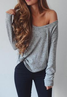 Have a loose, casual shirt that is simply too loose? Add a little knot and pair it with black tights!