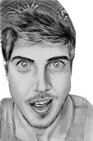 Joey Graceffa is literally my favorite youtuber ever!! I love him and his videos are hilarious. I smile as soon as I click on one of his videos.