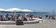 """Esplanada Ribeira das Naus, now known as the """"beach"""" of downtown Lisbon"""