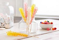 Bonbons en cristaux de sucre maison https://www.pgeveryday.ca/fr/nourriture/recettes-pour-enfants/article/homemade-rock-candy-recipe1
